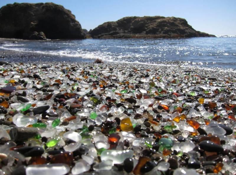 Стеклянный пляж в Национальном парке МакКерричер