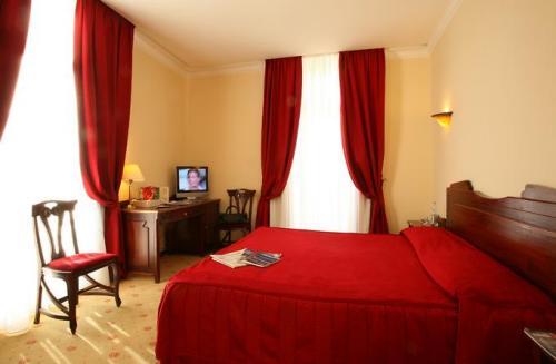 Гостиница Ambassador Монако. Номер