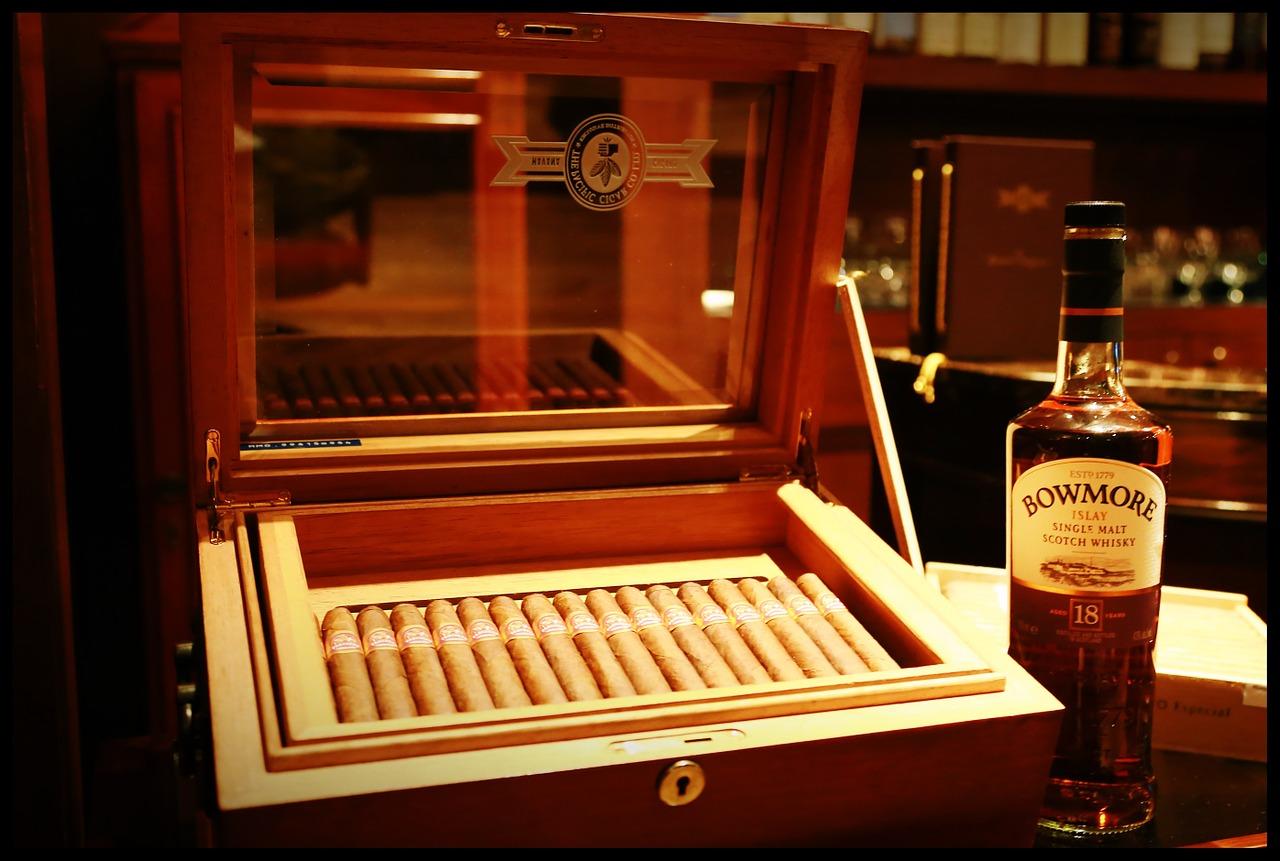 smoking-886542_1280