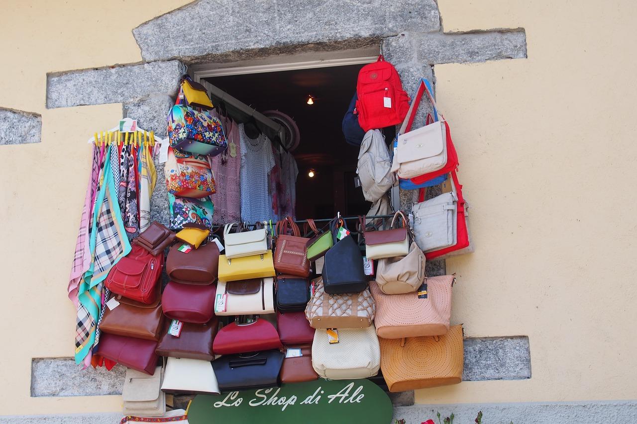 shop-1069870_1280