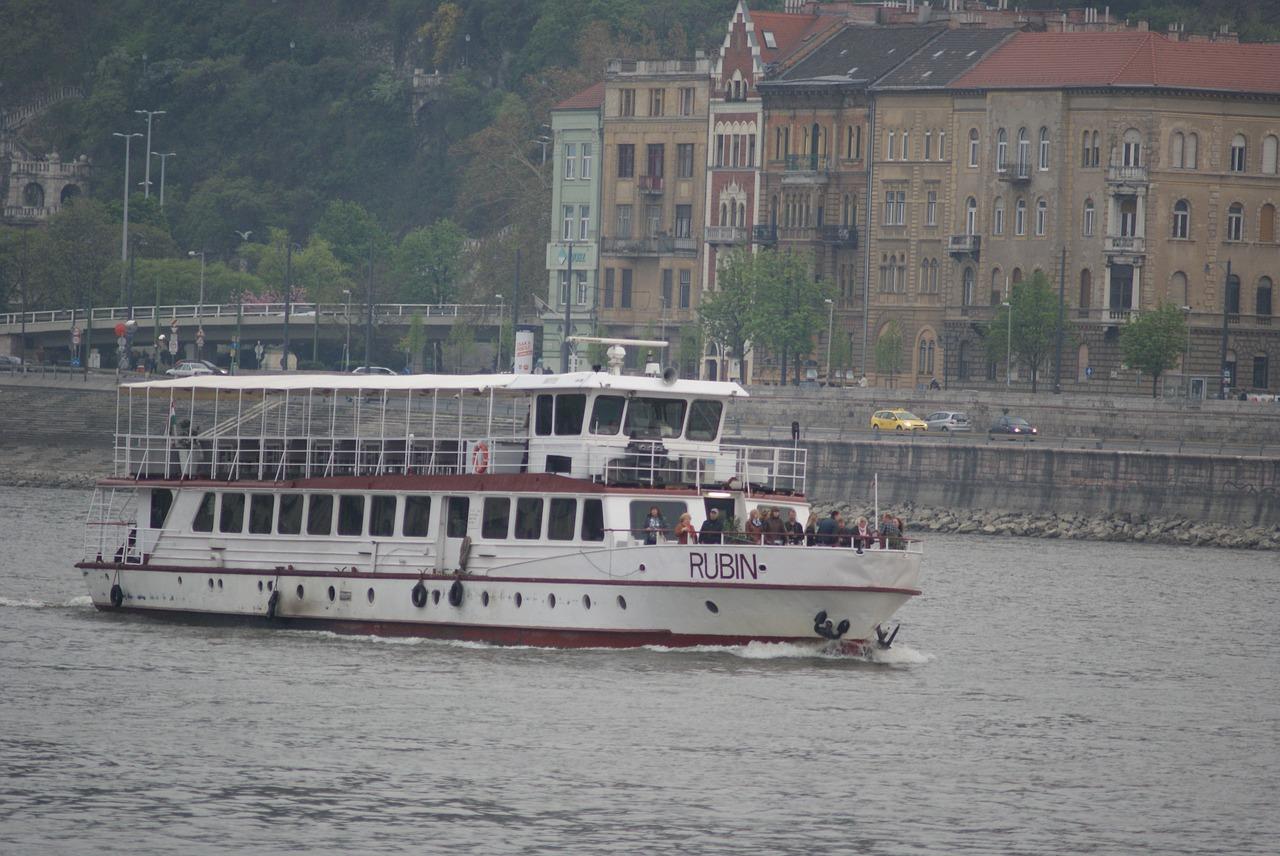 На теплоходе по Дунаю